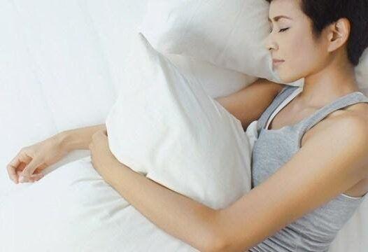Come dormire bene, anche durante la pandemia